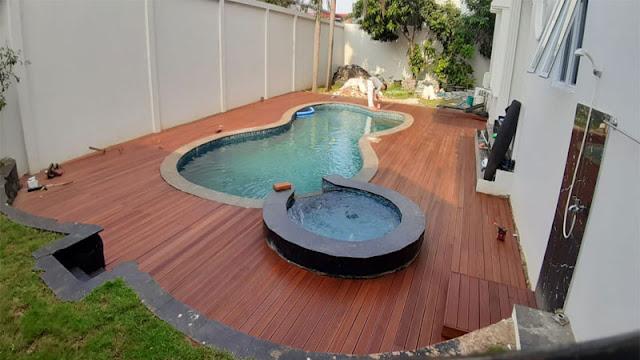 Desain lantai kolam renang minimalis