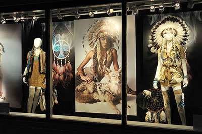 Visual Merchandising 101 Types Of Theme and Schemes