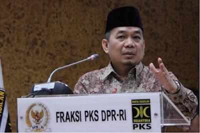 Jazuli Juwaini Sumbangkan Gajinya untuk Korban Gempa Banten
