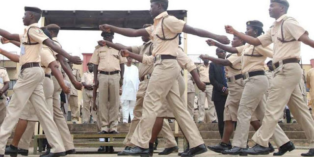 NIS graduates 462 officers