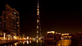 Uni Emirat Arab, Kemegahan Dunia di Semenanjung Arab