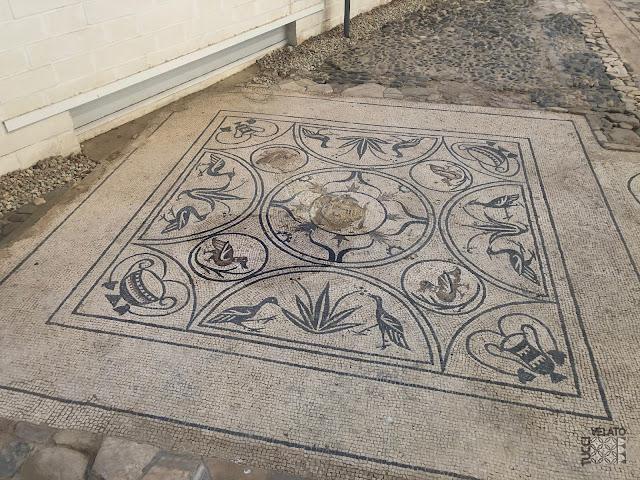 Mosaico de medusa de la villa de rio verde en marbella