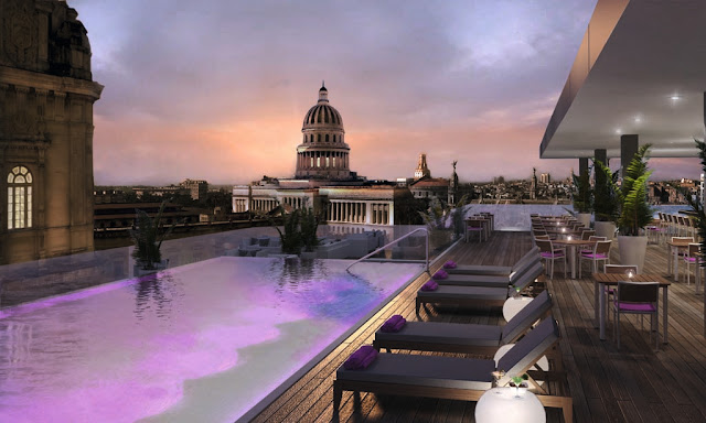 Терраса и бассейн в отеле Gran Hotel Manzana Kempinski La Habana