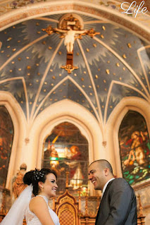 casamento com cerimônia na igreja são pedro e recepção no clube caixeiros viajantes em porto alegre com 400 convidados organização e cerimonial de life eventos especiais com decoração simples e delicada