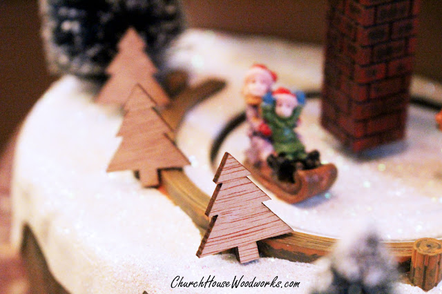 Tiny Wooden Christmas Tree Ornaments - DIY Christmas Wreath Ideas Craft Projects- Christmas Village Winter Scenery Set Supplies And Decorations Miniatures