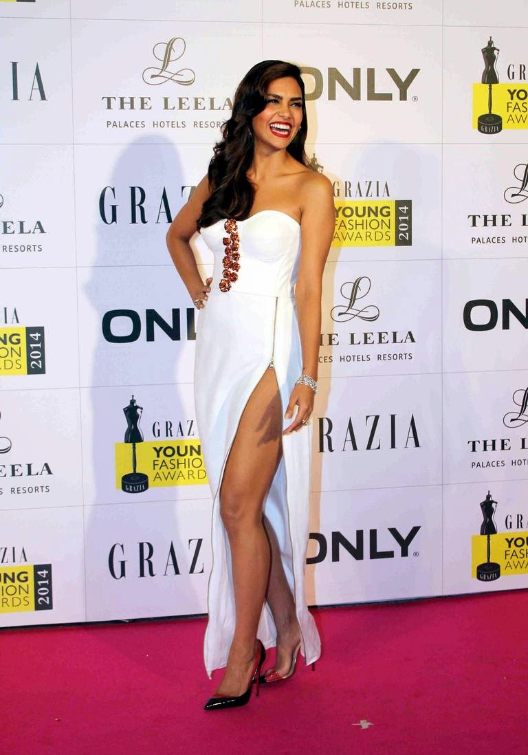 Esha Gupta at Grazia Young Fashion Awards 2014