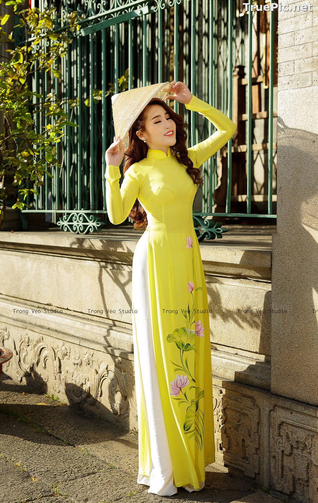 Image The Beauty of Vietnamese Girls with Traditional Dress (Ao Dai) #4 - TruePic.net - Picture-6