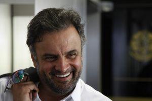 Aecio Neves no Senado rindo da impunidade da corrupção dele e de seu partido