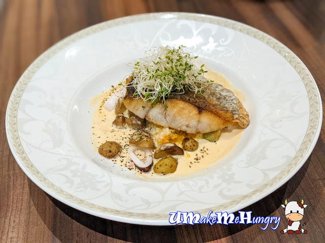 Poulet - Grilled Sea Bass
