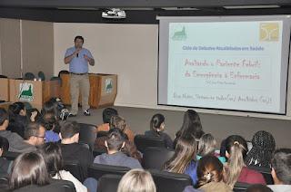 """Ciclo de Debates Atualidades em Saúde do UNIFESO debateu o tema """"Avaliando o paciente febril: da emergência à enfermaria"""""""