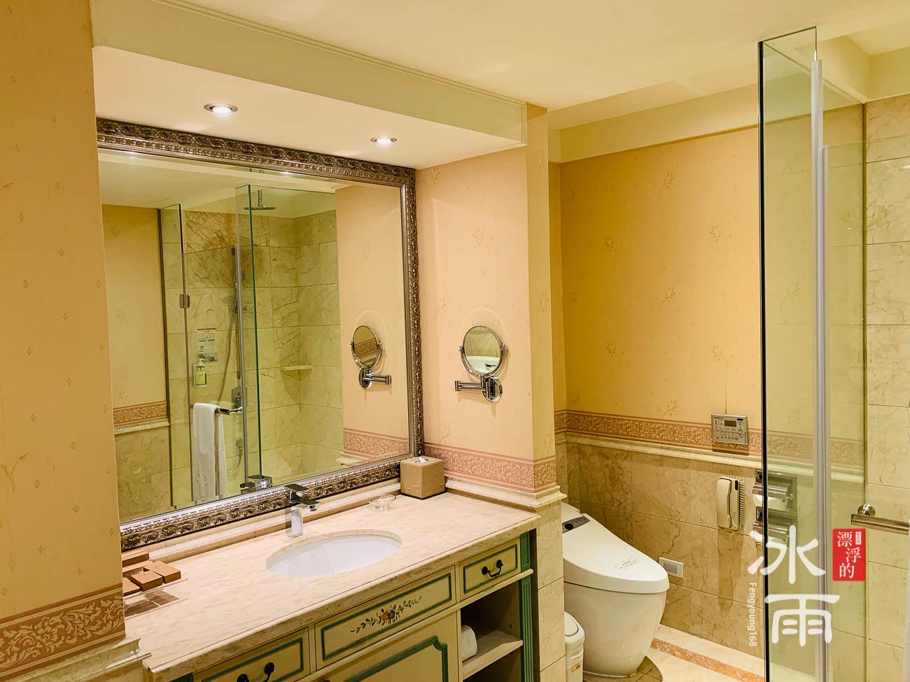 首都大飯店|網美房浴室洗手台