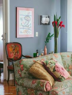 Sugestões para decorar com padrões floridos e com flores.