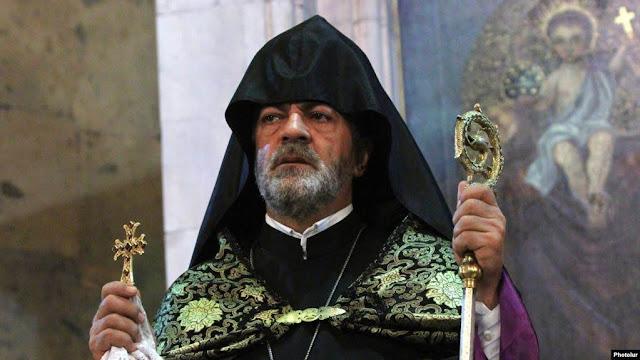 Arzobispo Kjoyan acusado de estafa y lavado de dinero