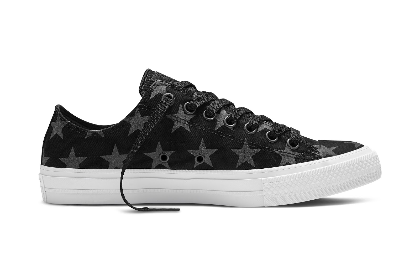 What do you guys think of the new Converse Chuck Taylor All Star ll Reflective  Print Collection  Definitely a cool idea! Below are some pics from the  Spring ... 0324af554