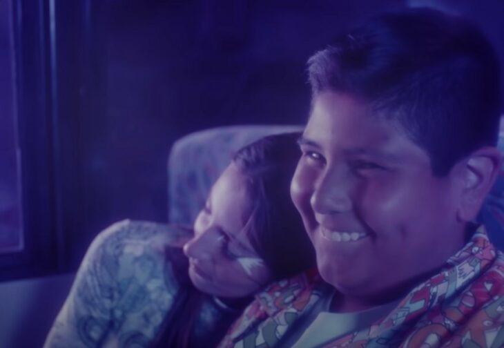 Reaparece el niño del Oxxo como protagonista de un video musical de reguetón
