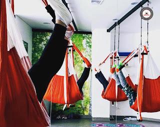 yoga, aeroyoga, yoga aereo, yoga aerea, aerial yoga, air yoga, chia, colombia, patricia carvajal, salud, formacion, profesores, maestros