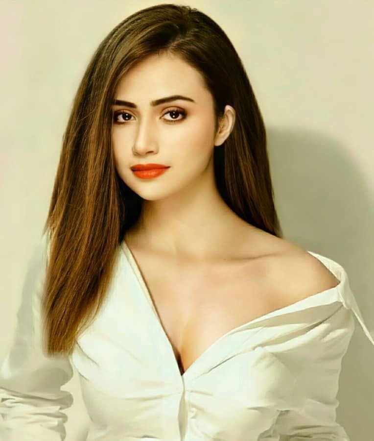 sexy Sana Javed pic