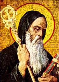 Mosaico de San Benito monje con el libro de la Regla y baculo
