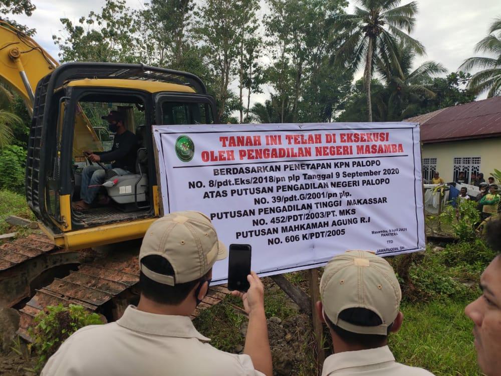 Kapolres  Luwu Utara Pimpin Pengamanan Eksekusi Tanah di Desa Tamuku