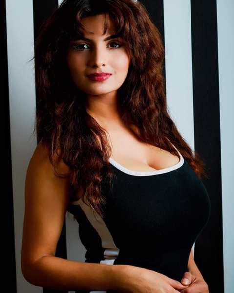 Anveshi jain hot indian web series actress