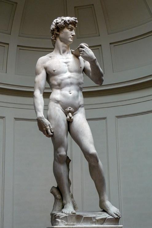 Fotografía en blanco y negro de El David de Miguel Ángel Buonarroti en la Galería de la Academia de Florencia, Italia