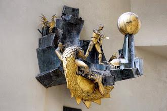 Paris : Imbroglios autour du Défenseur du Temps, une horloge automate signée Jacques Monestier - Quartier de l'Horloge - IIIème