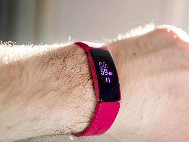 Đánh giá thiết kế Fitbit Inspire HR