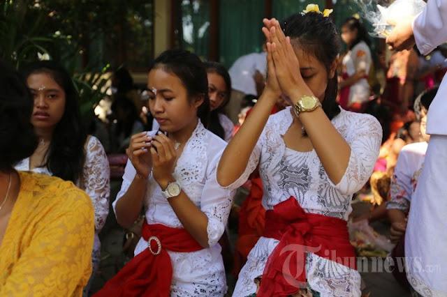 Perayaan hari Saraswati