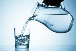 Ga Sengaja Minum Air Mentah? Simak Akibatnya