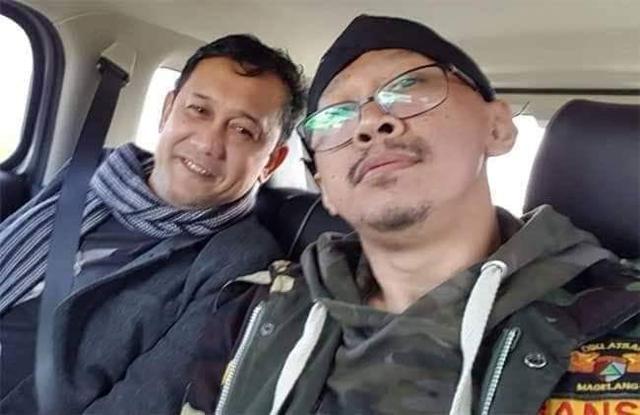 Abu Janda: Saya dan Denny ga Ditawari Komisaris, Karena Udah Dibayar sebagai Buzzer