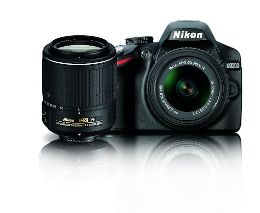Toad's Treasures: Amazon's Deal on Nikon 3200 + 2 great lens'!
