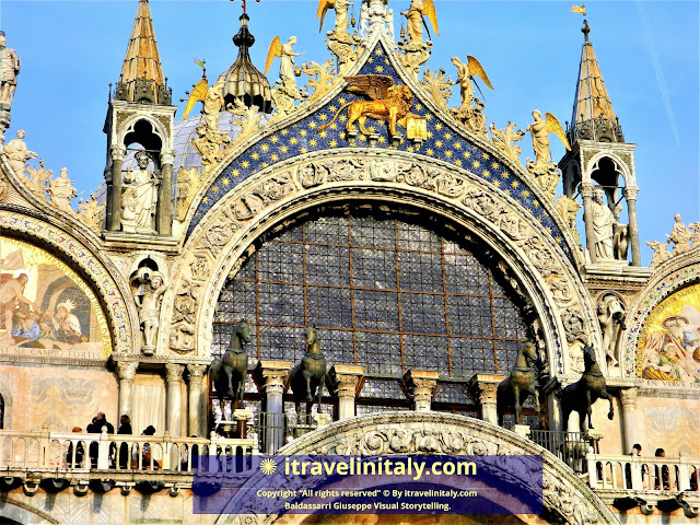 "St Mark's Square Venice and basilica Italy Piazza San Marco in Venezia Copyright ""All rights reserved"" © By itravelinitaly.com Baldassarri Giuseppe Visual Storytelling on google.com/maps."