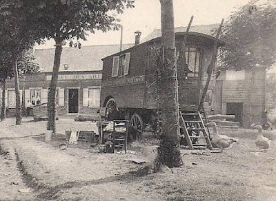 CPA roulotte de nomades