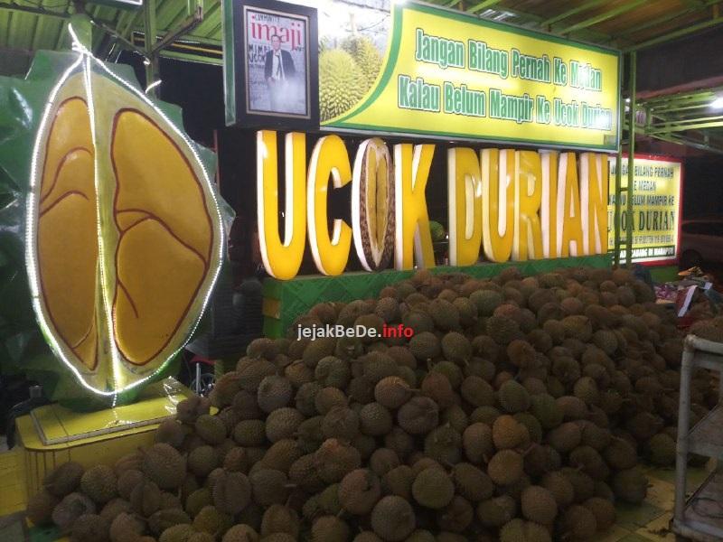 Wisata Kuliner Ke Kedai Ucok Durian Medan Jejak Hitam Putih Bede