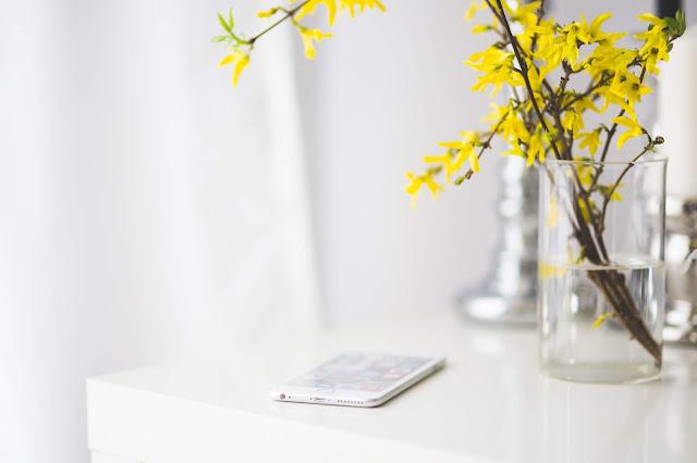 Minun puhelin on päivässä pitkiä aikoja pöydällä koskematta (Kuva: Pixabay)