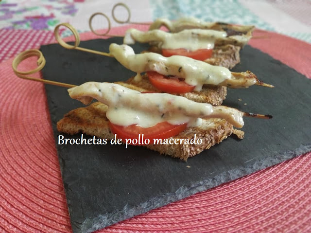 BROCHETAS DE POLLO MACERADO