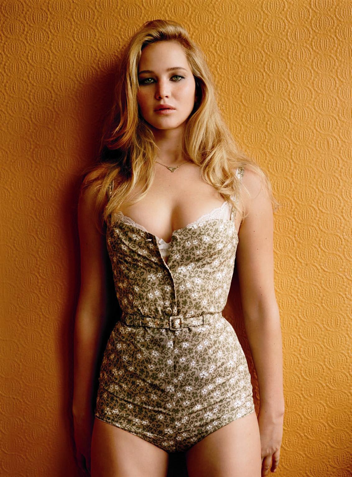 Celebrities in Hot Bikini: Jennifer Lawrence - Hunger Games Star in Bikini