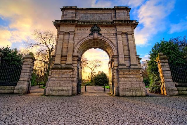 História do Parque St. Stephen's Green - Arco Fusilier
