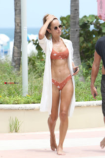 Natalia-Borges-Bikini-Candids-in-Miami-Beach-05+%7E+SexyCelebs.in+Exclusive.jpg