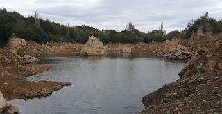 Panorámica del Pozo Ostión casi seco, La Arboleda, Bizkaia