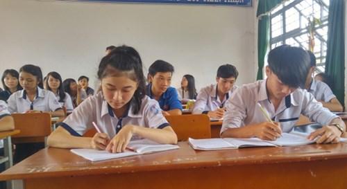 Gia Lai: Thầy cô giáo tình nguyện dạy ôn thi THPT quốc gia miễn phí