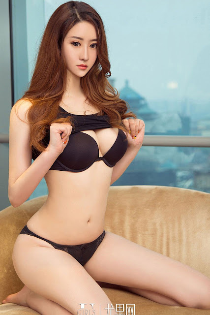 Hot and sexy big boobs photos of beautiful busty asian hottie chick Chinese booty model An Ran Ran photo highlights on Pinays Finest sexy nude photo collection site.