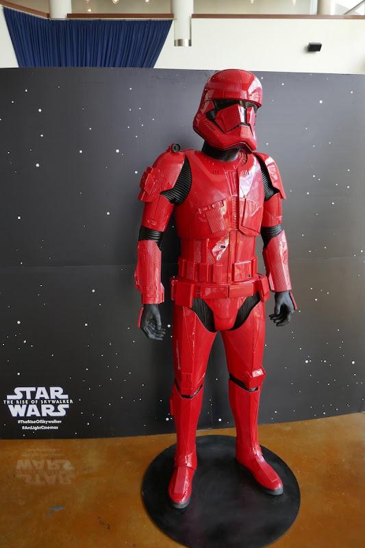 Star WarsRise of Skywalker Sith Trooper costume