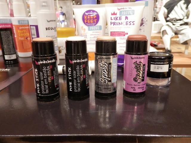 Pinkcheeks promete maquiagens resistentes ao suor e a água para esportes