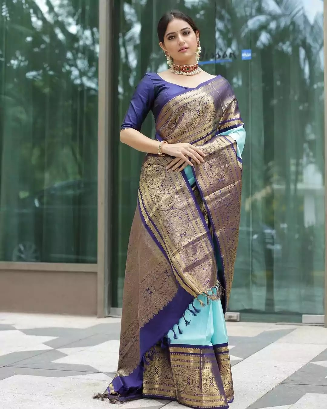 ashika-ranganath-in-blue-kanjeevaram-saree