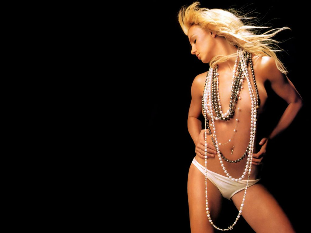 Latest Britney Spears Hot Wallpapers 2012  521 -8687