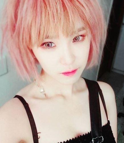 korean_pop_star_jun_hyo_seoung_circle_lens