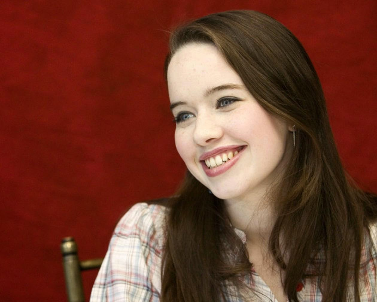 Anna Popplewell Wallpapers Free Download | Theroyalspeaker