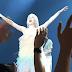 Carly Rae Jepsen Amazes Fans During Manila Concert - Photo/Video