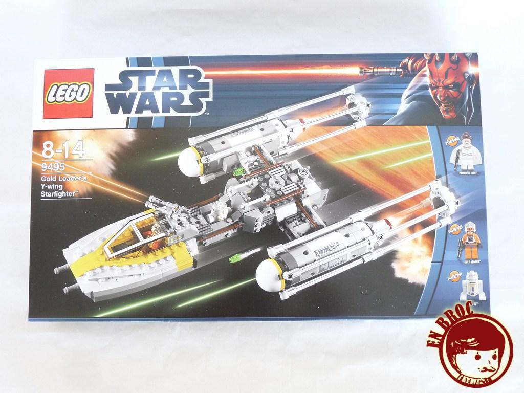 En broc lego star wars 9495 gold leader 39 s y wing for Interieur vaisseau star wars